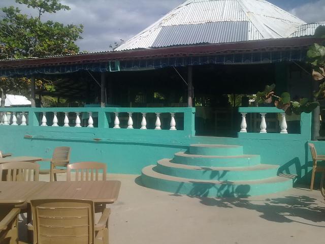 Xtabi Negril Jamaica - Ocean facing restaurant