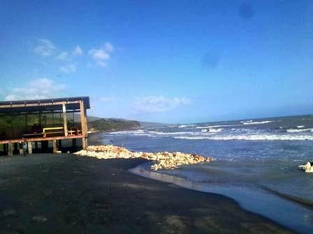 Little Ochi Seafood Restaurant  Beach View