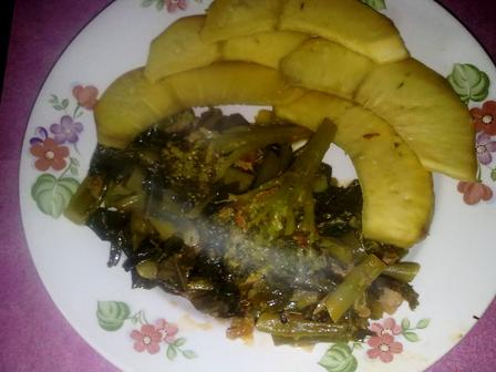 Fried Breadfruit served with steamed mixed vegetables